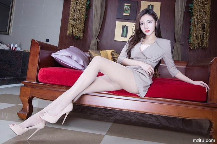 不同的妹子 同样的美腿