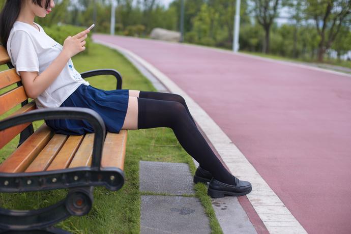 轻兰映画 周末带妹妹去公园