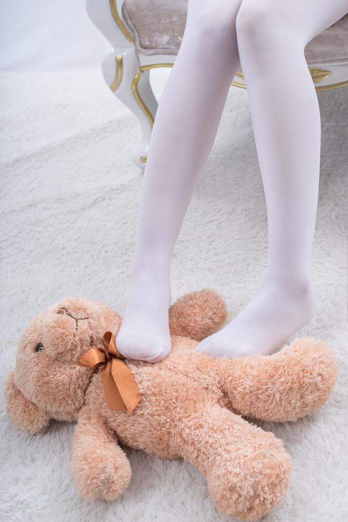 轻兰映画 我想和那个小熊互换 清纯丝袜