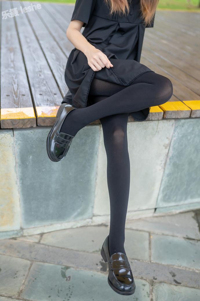 纯黑黑丝少女 清纯丝袜