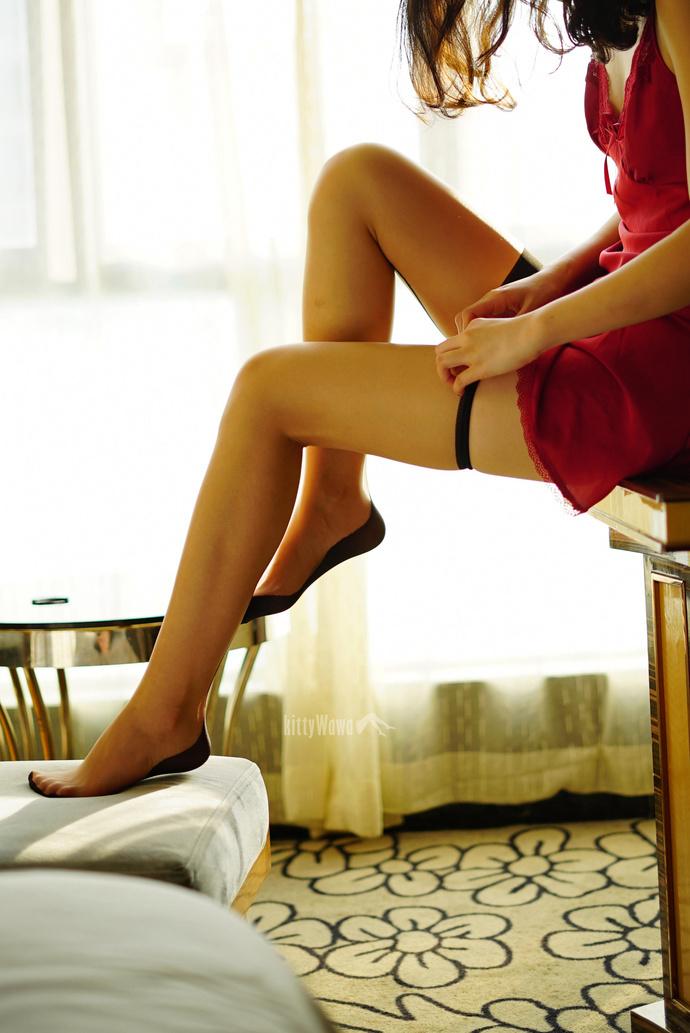 这样的丝袜美腿你不爱嘛 清纯丝袜