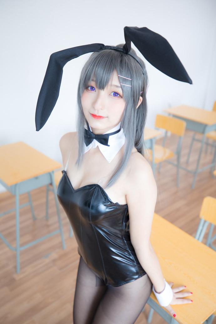 教室里抓到一只小兔子