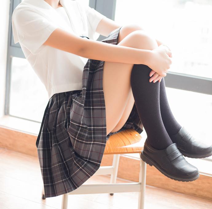 浴缸里的黑丝 JK 少女 清纯丝袜