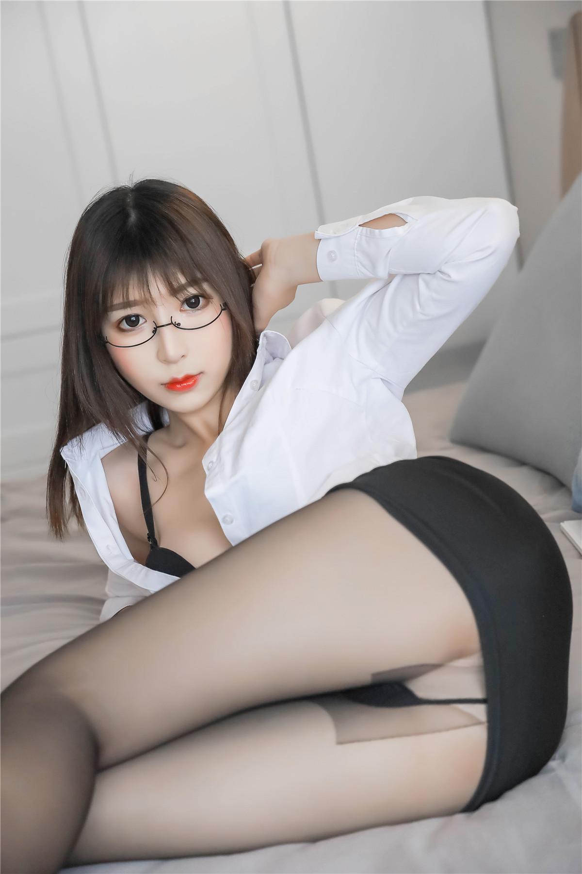 黑米粥私房写真女仆黑丝&OL制服在线看插图2