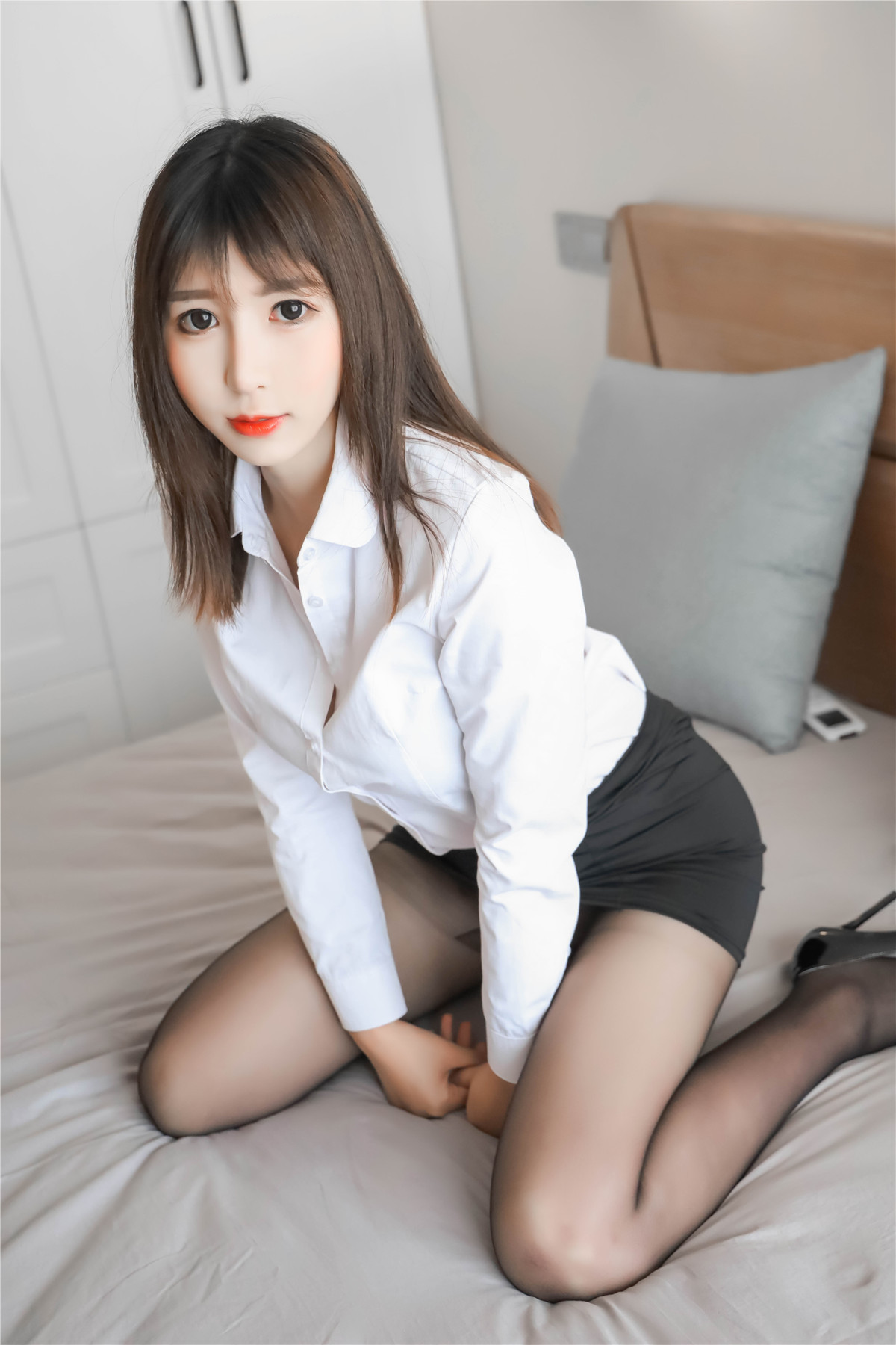 黑米粥私房写真女仆黑丝&OL制服在线看