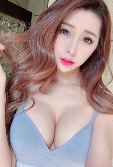 性感姐姐Ivy彎腰賣眼鏡影片瘋傳 呼之欲出的上圍讓觀眾暴動了!(16P)