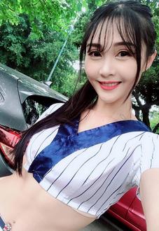 超正新秘蜜桃兒斜杠女孩 身兼多重職業但都很火辣!(15P)