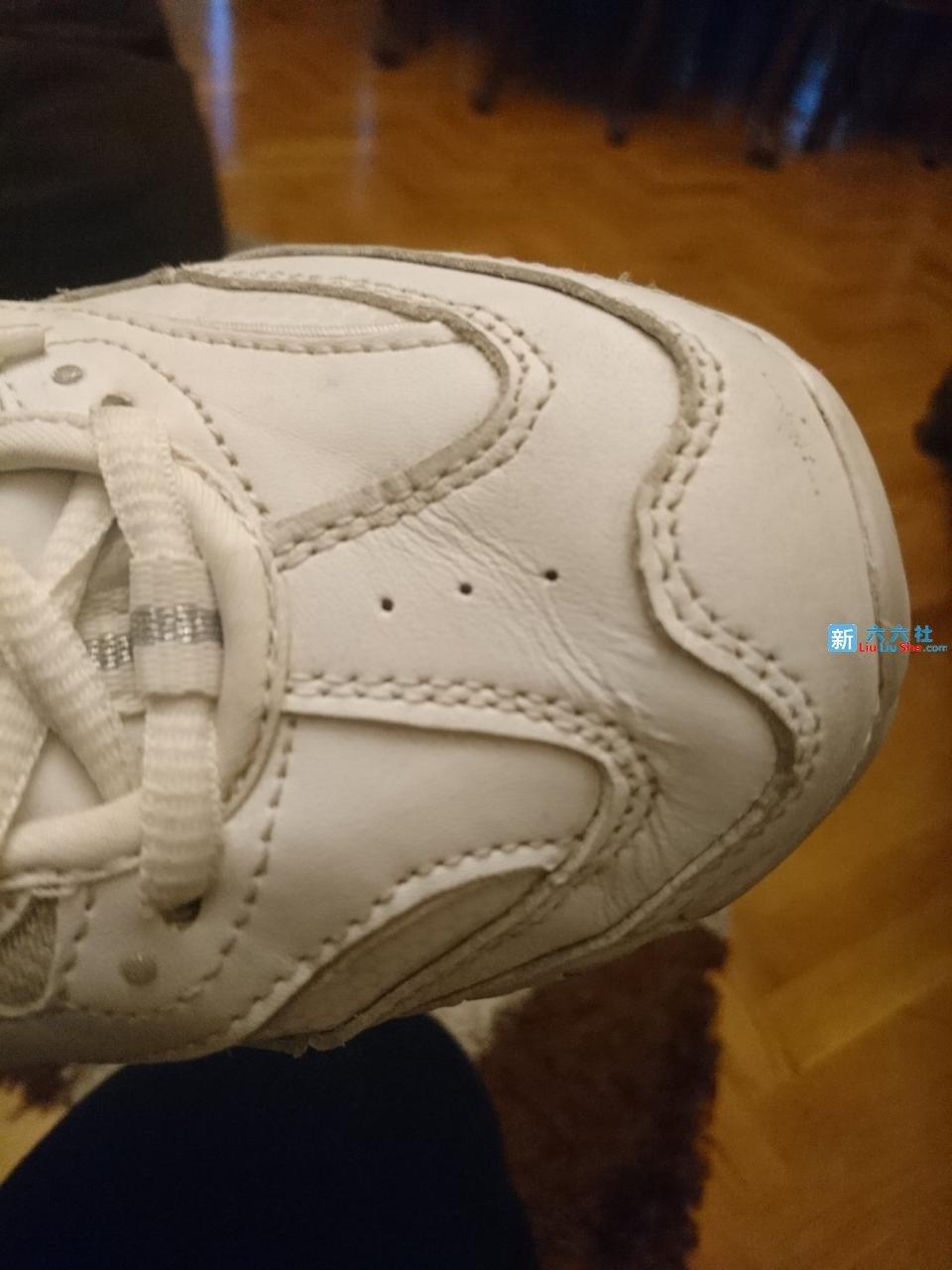 只需一招就能消除鞋面折痕,简单让你的旧鞋变成新鞋