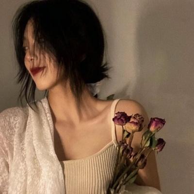辣妹最爱的好看的女生高级的头像 爱会来的在对的时候