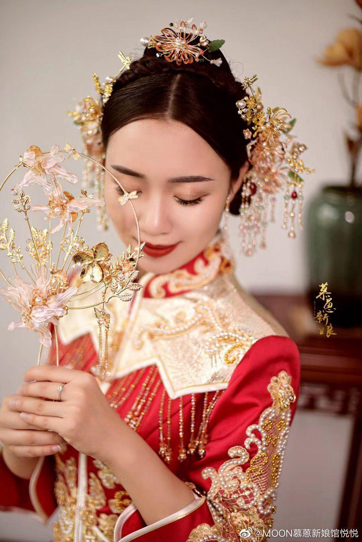 中式新娘发型推荐中分编发图片