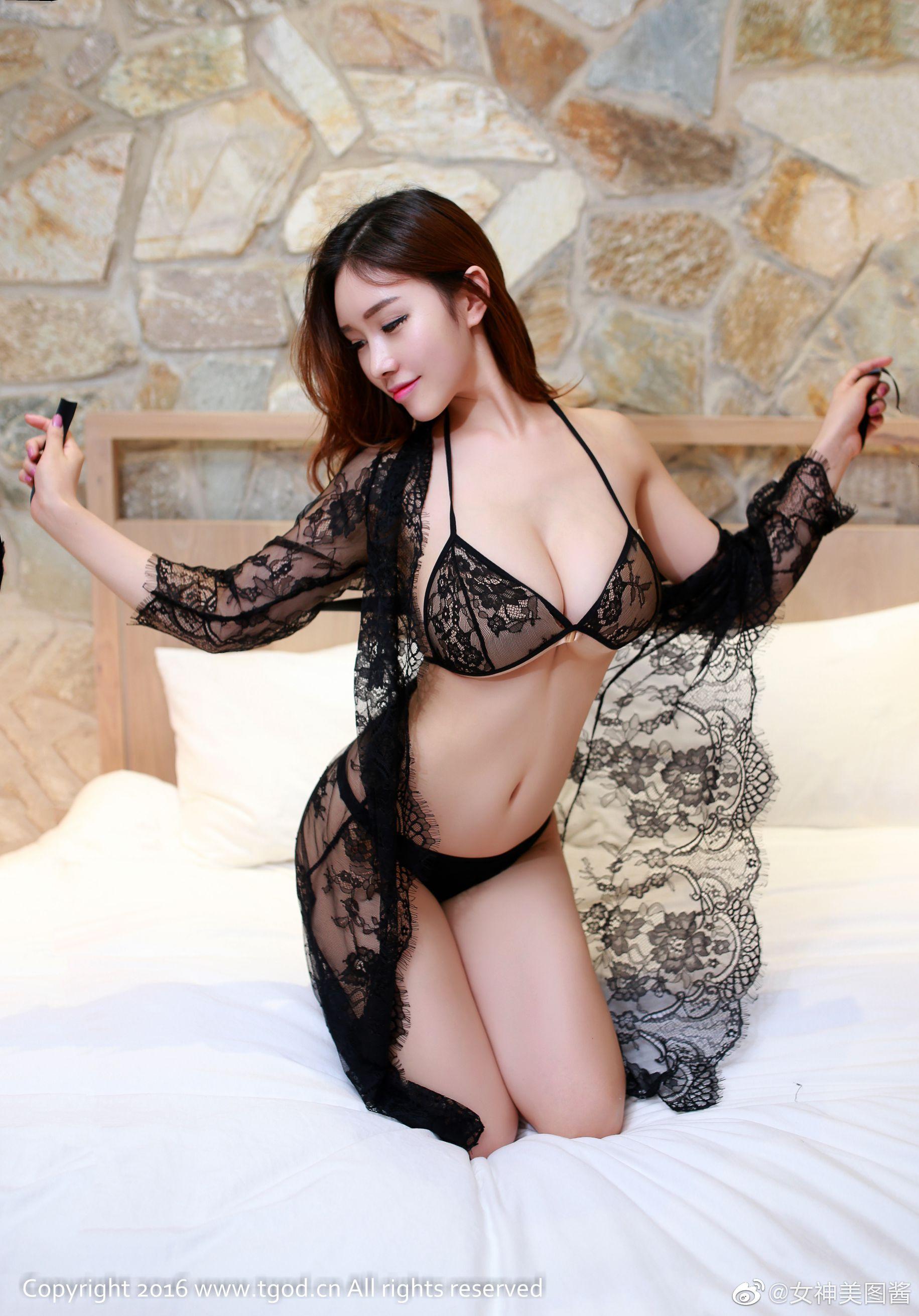 这么性感的睡衣,不赞对不住啊