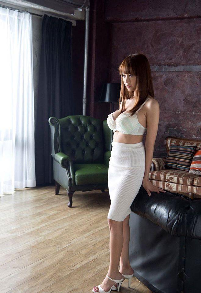 SSNI-727 神灯安斋拉拉出演性感女上司勾引小鲜肉-第2张图片-宅小报