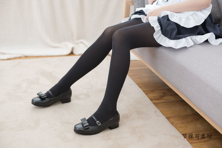 [森萝财团]萌妹子黑丝美腿女仆装