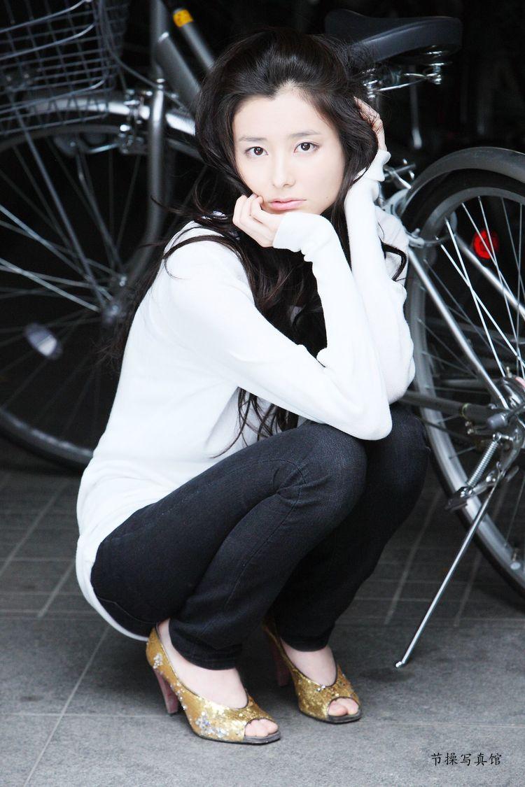原田夏希个人资料介绍,及其写真作品欣赏 美女精选 第17张
