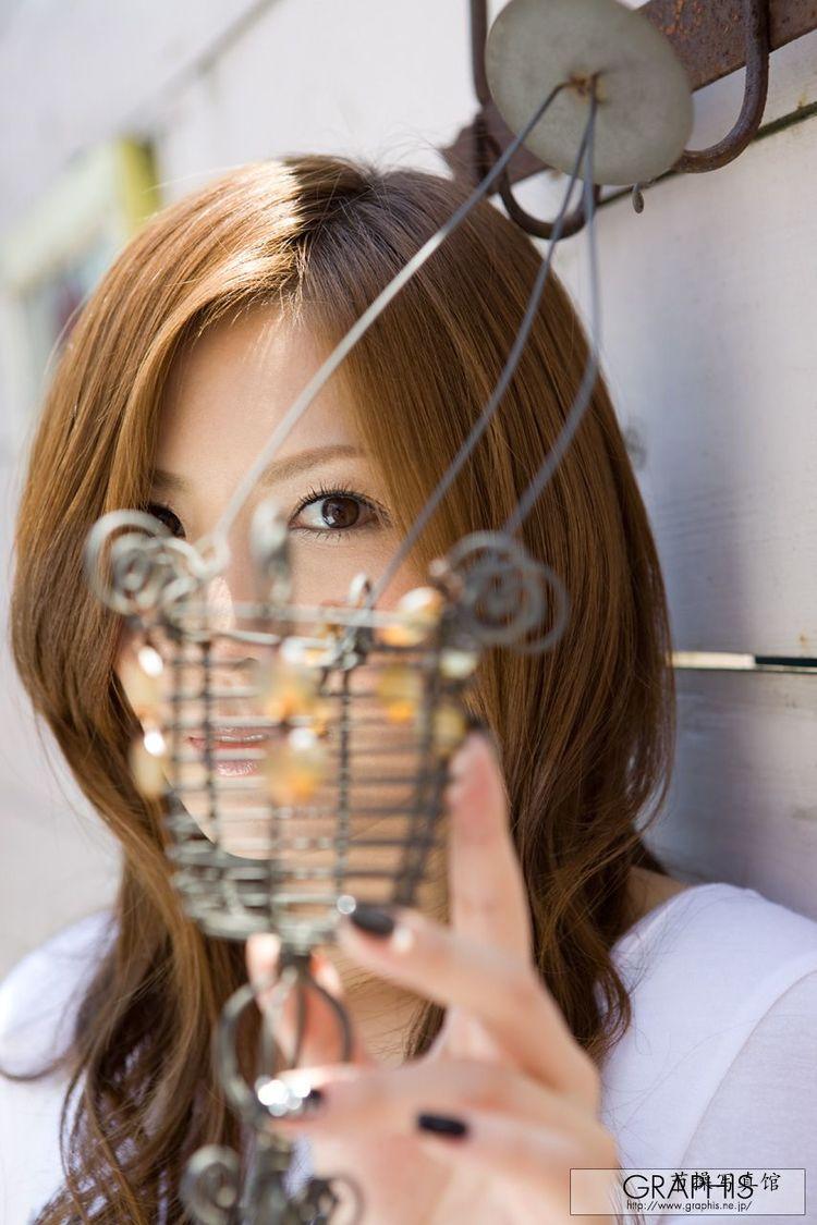 椎名由奈(椎名ゆな) 个人资料介绍,及其写真作品欣赏 美女精选 第3张