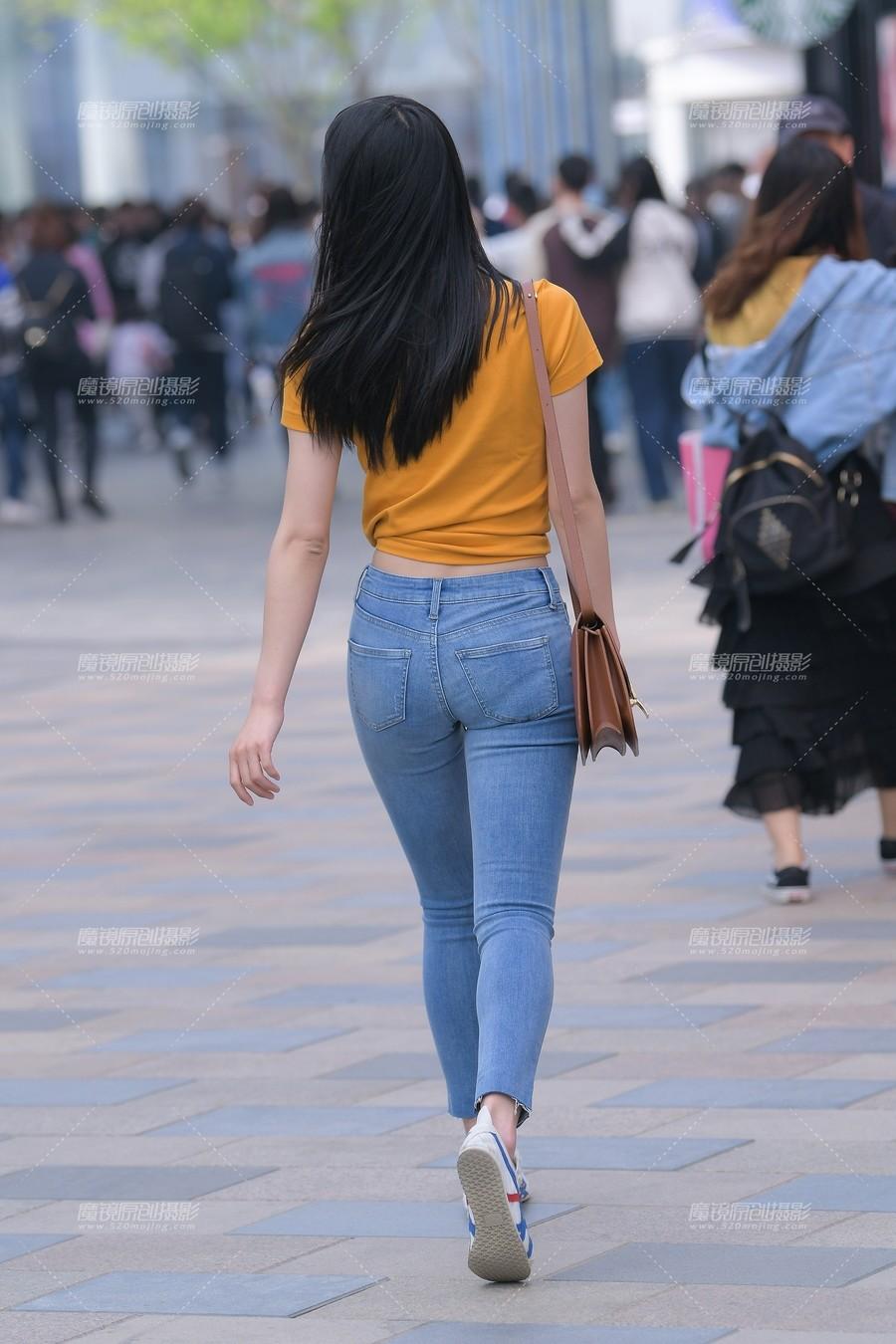 「街拍美臀」紧臀牛仔裤美女[24P]