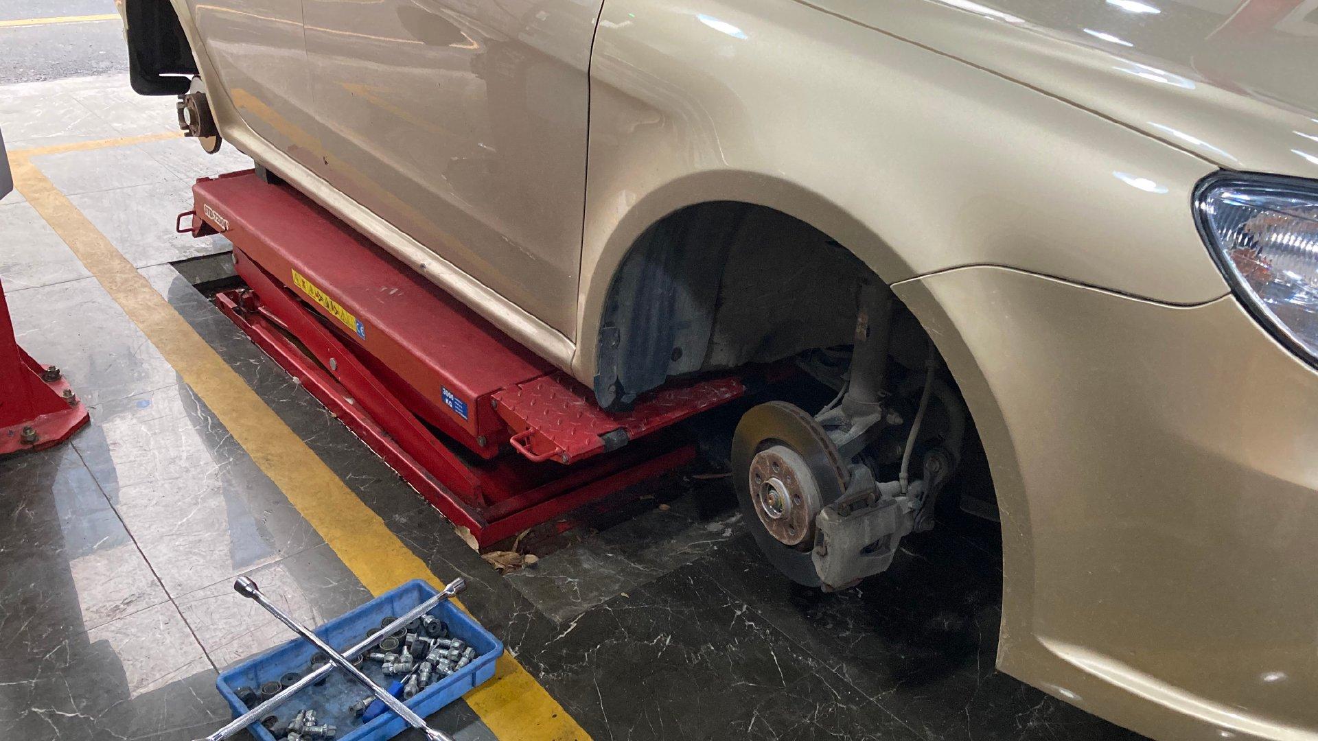 一次追尾引发的行车安全反思—途虎TH1胎压监测安装记