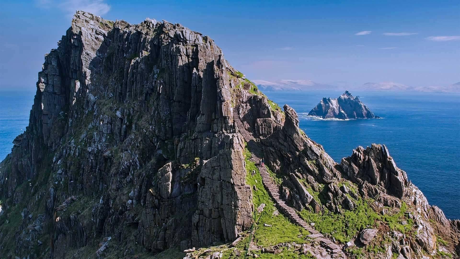 斯凯利格群岛(由斯凯利格·迈克尔岛和小斯凯利格岛组成)