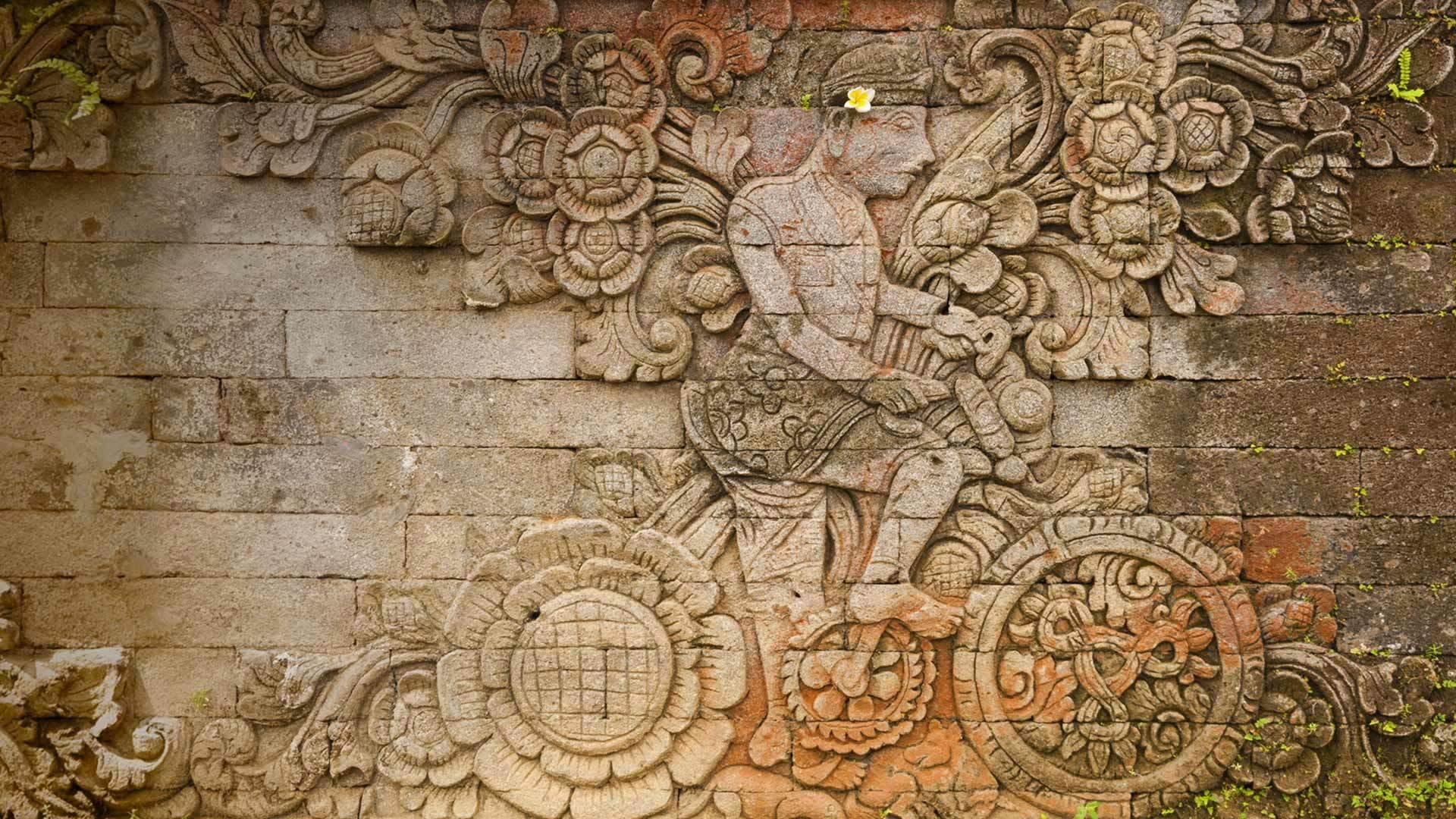 the Pura Meduwe Karang神庙中雕刻艺术家W.O.J.Nieuwenkamp的作品