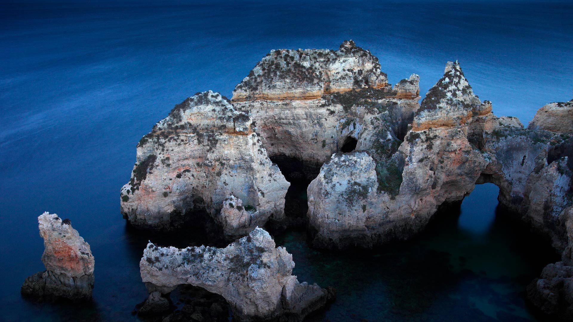 阿尔加维海岸附近的Ponta da Piedade岩层