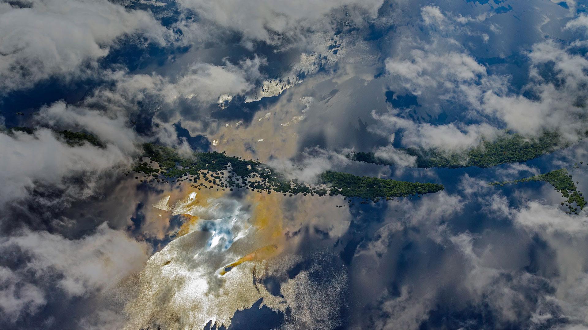 马瑙斯附近的亚马逊河流域鸟瞰图