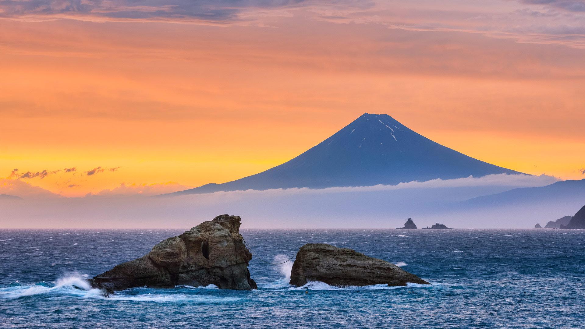 富士山和双岩