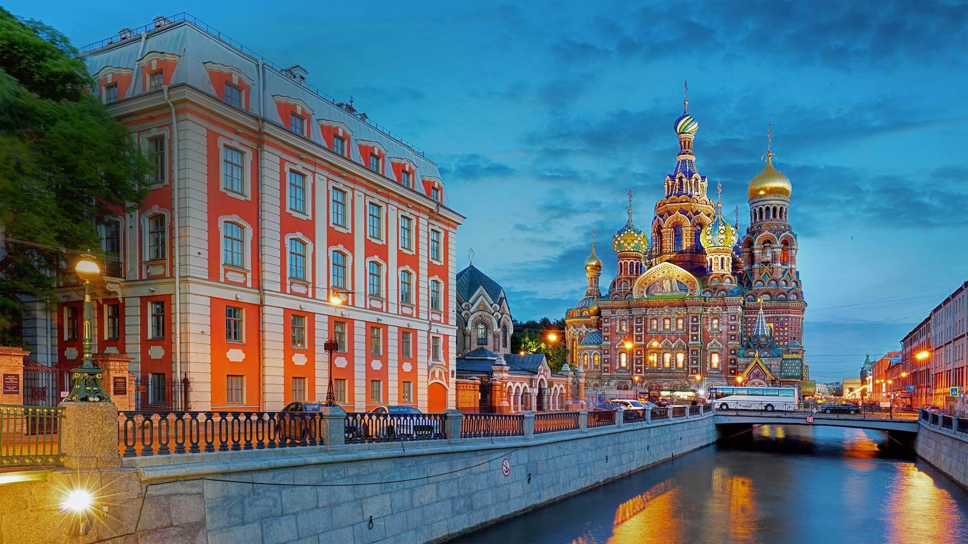 格里博耶多夫运河和滴血救世主教堂滴血救世主教堂