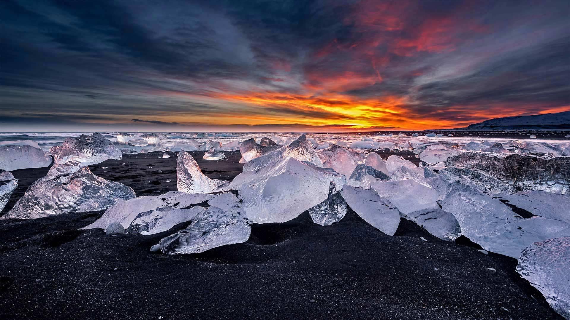 冰河湖对面的钻石冰沙滩钻石冰沙滩
