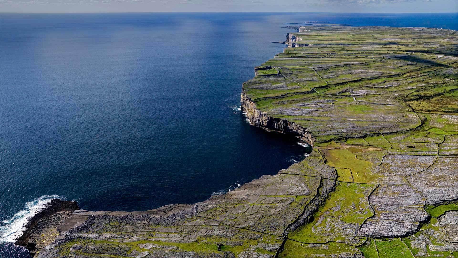 阿伦群岛三座岛中最小的伊尼希尔岛伊尼希尔
