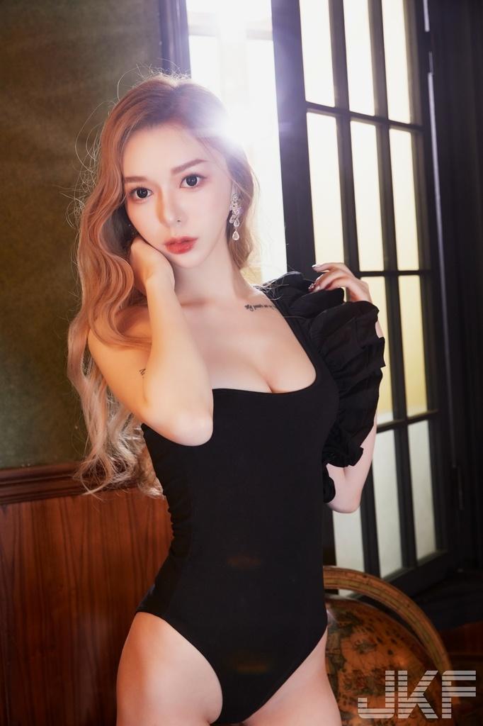 Olivia林沂个人资料介绍-3CD