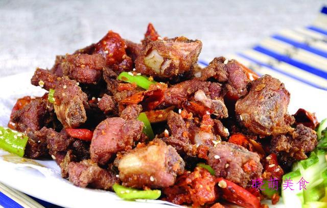 爆炒鱿鱼、爆炒虾仁、辣椒炒羊肉、炒田螺、干锅排骨的做法好好吃
