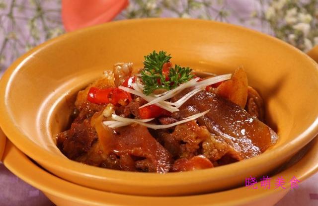 糟熘鱼片、葱烧海参、干锅牛肉、辣子鸡的家常做法超下饭