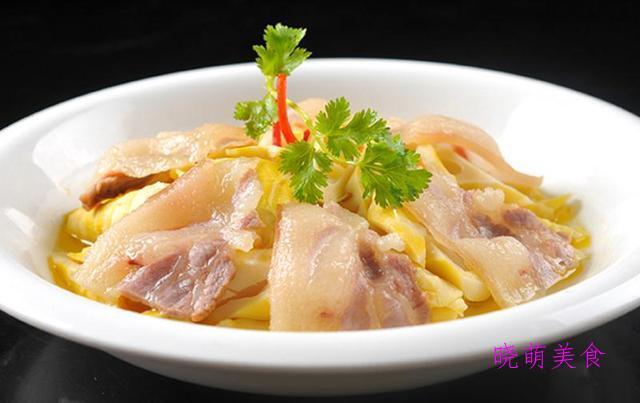笋蒸咸肉、春笋烧肉、春笋炒腊肉、笋焖鸡块、腌笃鲜、红油春笋