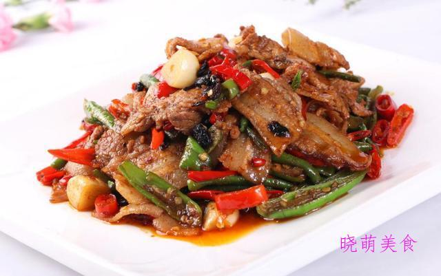 酸辣土豆丝、小炒肉、韭菜炒鸡蛋、杏鲍菇炒肉、椒盐虾段做法