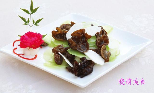 家常豆腐、炒藕片、素炒腐竹、莴笋炒木耳、炒魔芋的做法