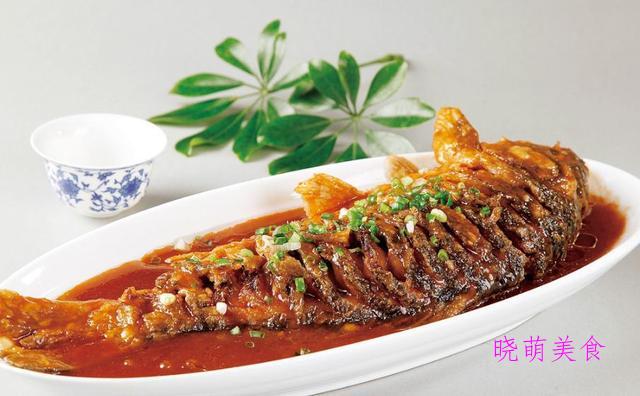 红烧鸡腿、红烧鲤鱼、西红柿炖牛腩、青椒肉丝的家常做法,好美味