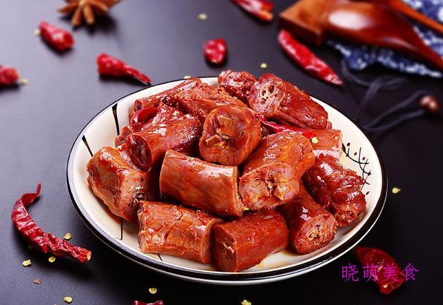江米条、鸡蛋卷、脆皮蛋糕、燕麦小饼、麻辣鸭脖、手撕牛肉的做法