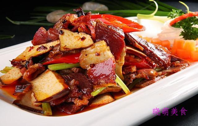 虾仁滑蛋、香辣虾、辣炒肥肠、蒜苗炒猪肝、腊肉炒香干的家常做法