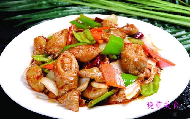 黄豆炖猪蹄、干锅茶树菇、孜然排骨、干锅鸡的地道做法