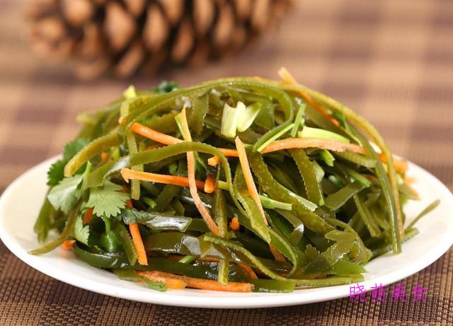 凉拌黄花菜、凉拌豆角、凉拌豆干、凉拌菠菜、凉拌海带丝的做法