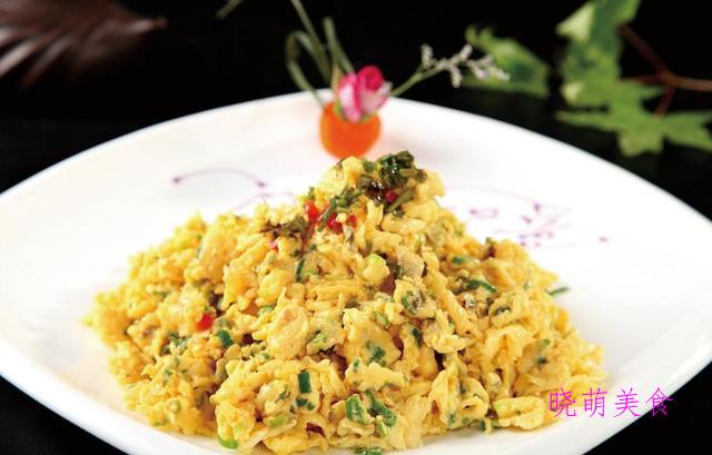 香椿炒鸡蛋、韭菜炒豆干、油焖春笋、蒜香荷兰豆的做法