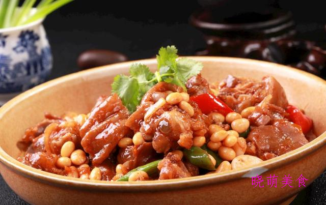 可乐排骨、黄豆炖猪手、油爆肥肠、苏式红烧肉的经典做法