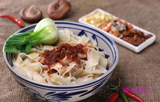 油泼扯面、干拌面、干炒牛河、土豆焖饭的做法一个人也要好好吃饭