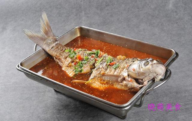 炖鱼、烤鸡、烧豆腐、酱鸭腿、红焖带鱼的做法,鲜香美味