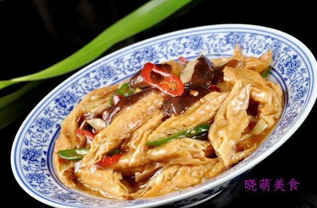 家常地三鲜、腐竹烧香菇、干煸花菜、炒莴笋、蚝油生菜的美味做法