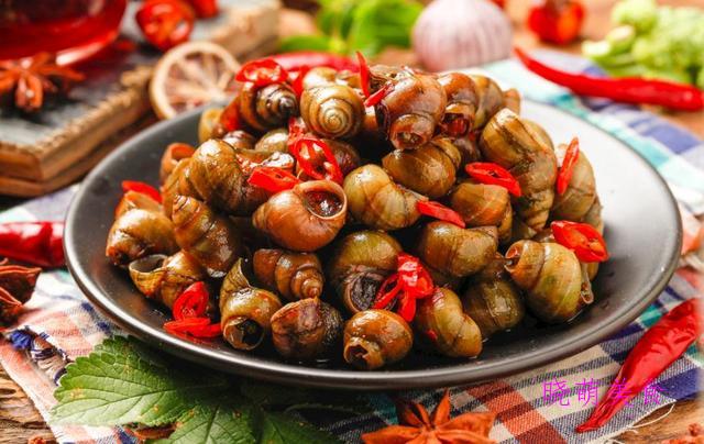 香辣田螺、鲜香小龙虾、红酒烤羊排、干锅鸡的美味做法,香辣好吃