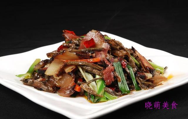 香菜炒鸡胗、尖椒炒肥肠、麻辣田螺、爆炒腊肉的美味做法,超下饭