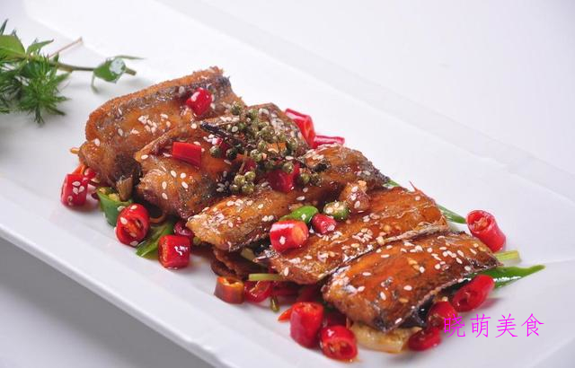 辣排骨、麻辣带鱼、香菇焖牛肉、辣白菜、烧扁鱼的做法,营养美味