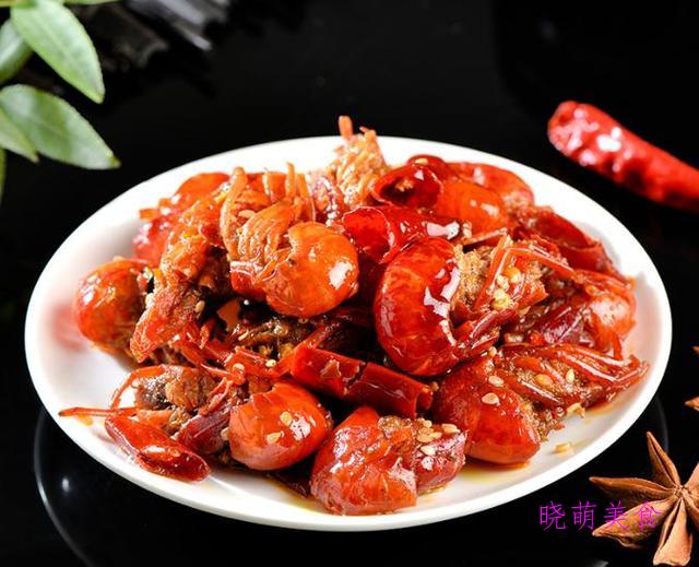 香辣牛腩、香辣猪肝、红烧鸭块、油酥虾、麻辣龙虾尾的美味做法