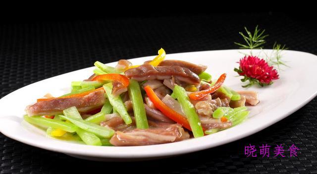 茶树菇炒肉、爆炒腊肉、红椒爆牛肉、生爆肚尖的美味做法